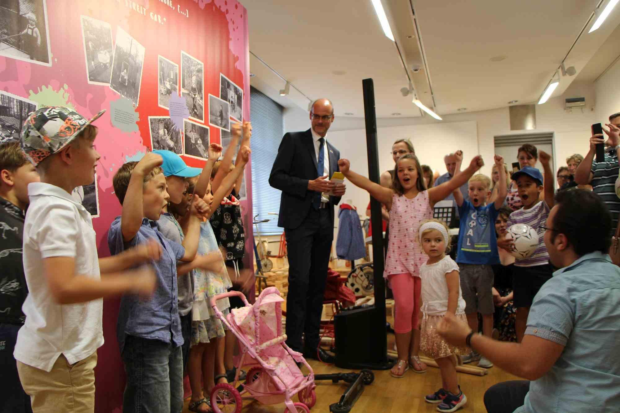 "Ausstellungseröffnung ""Kinder Mobil"""