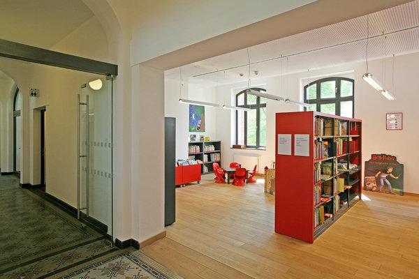 Vorlesestunde in der Stadtbücherei – Lesen und basteln für Kinder von fünf bis sieben Jahren
