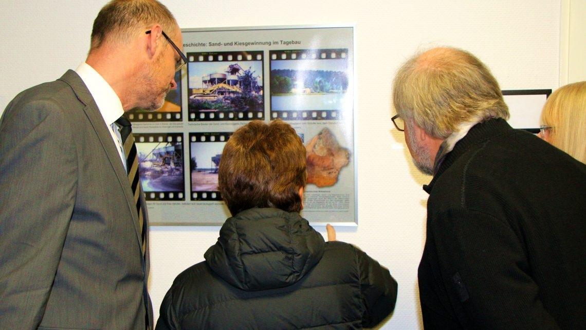 """Ausstellung """"Ich sehe was, was Du nicht siehst…""""  im Stadthaus eröffnet"""