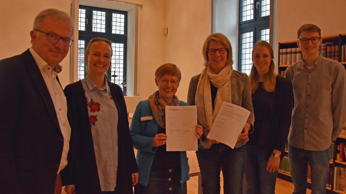 Marienschule und Stadtarchiv starten Bildungspartnerschaft –  Aktivitäten und Maßnahmen ab Klasse 7