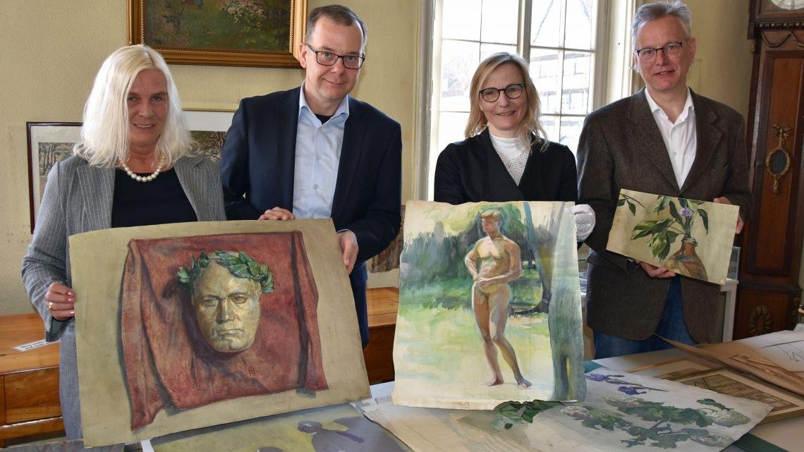 Studien, Skizzen, Gemälde und Porzellanarbeiten – Stadt übernimmt Nachlass der Lippstädter Künstlerin Marie Steinbecker
