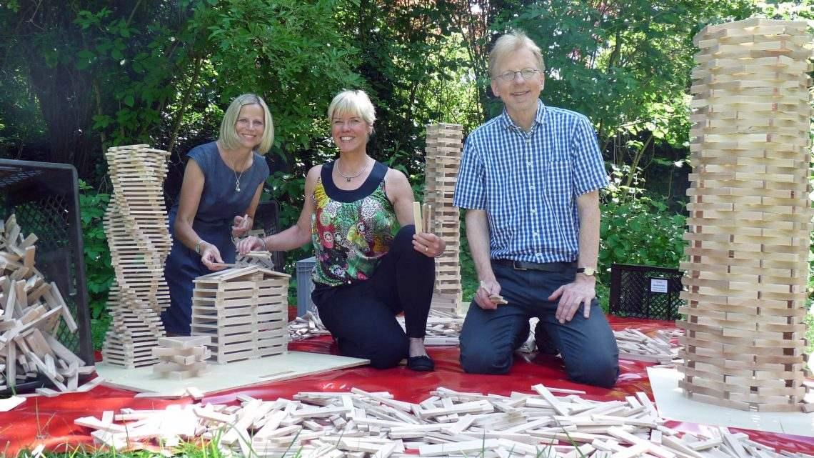 Holzbaustelle zum Ausleihen – Verein für unsere Kinder e.V. ermöglicht Anschaffung von über 5.000 Steinen