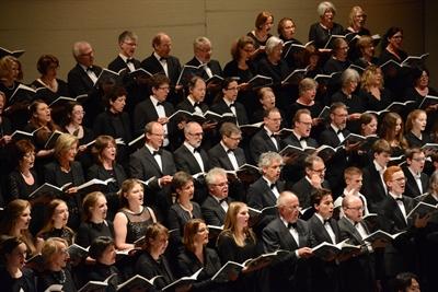 """""""Harmonie im Licht"""" – Das Großes Chor- und Orchesterkonzert des Städtischen Musikvereins Lippstadt"""