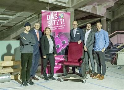 Städtischer Verkehrsverein übernimmt Patenschaft für fünf Theatersessel