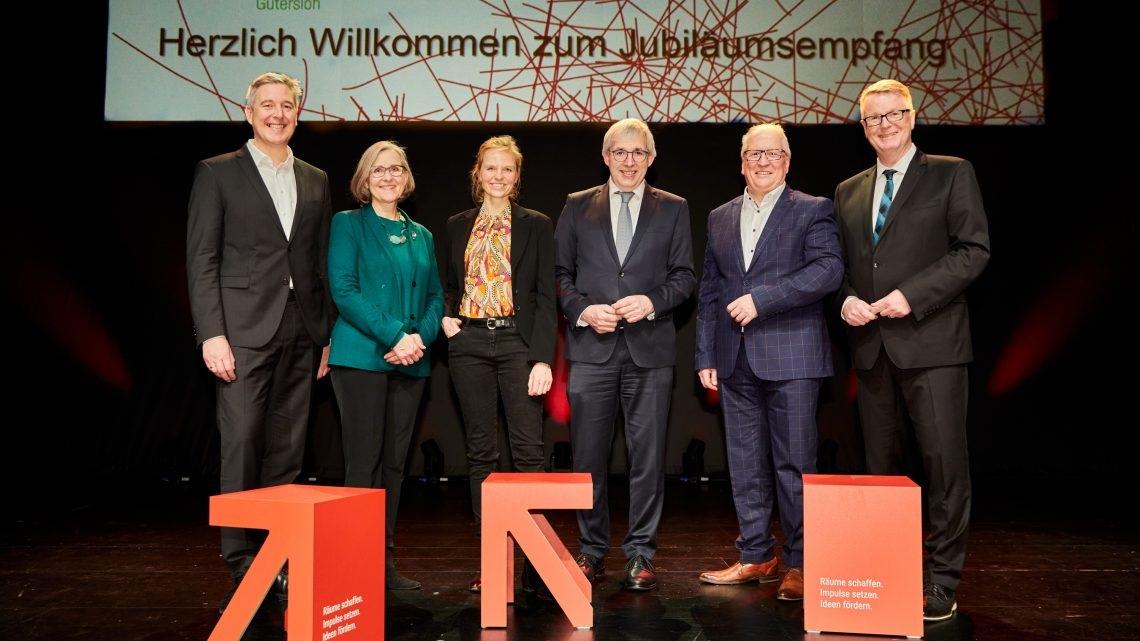 Allen Grund zu Jubeln! 40 jähriges Jübiläum – Kultursekretariat NRW Gütersloh