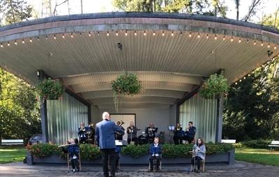 Kurorchester Bad Waldliesborn spielt im Kurpark